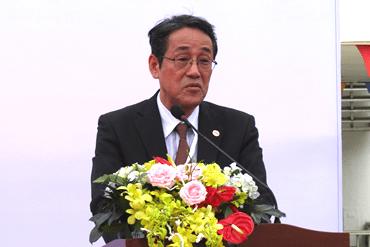 Đại diện chính phủ Nhật Bản, ngài đại sứ Umeda Kunio phát biểu chúc mừng.